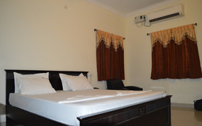Hotel Nandha inside room view
